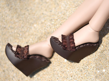 SHOES : Brown wedge sandal